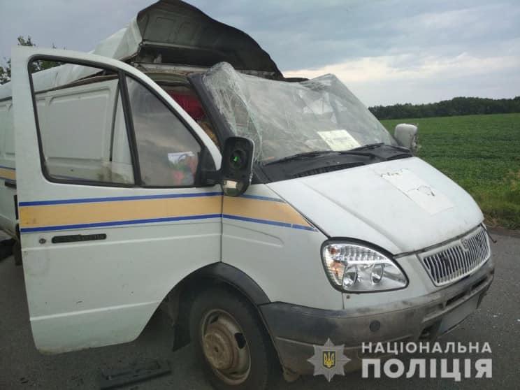 """Резонансний напад на автомобіль """"Укрпошти"""": поліція затримала трьох підозрюваних"""