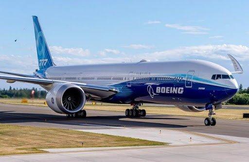 Главные события в мире 29 июля: компания Boeing массово сокращает персонал, а в Таиланде голодные обезьяны громят город