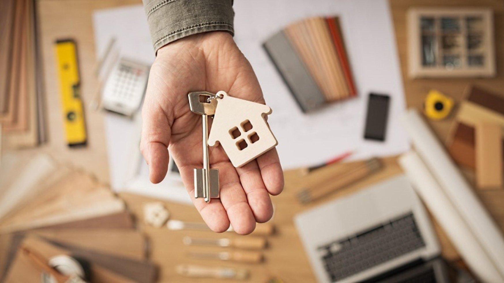 Українцям заборонять самостійно продавати свої квартири: новий закон про ріелторську діяльність - today.ua