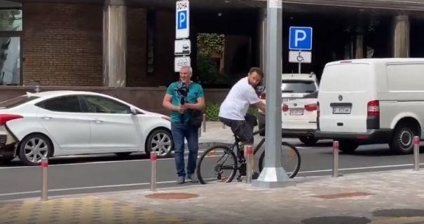 Нардеп Дубінський в нетверезому вигляді вирішив покататися на велосипеді: порушував правила дорожнього руху - today.ua