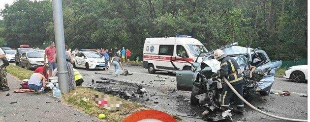 Трагедия под Киевом: в летальном ДТП погибли четверо людей, двое из них -дети  - today.ua