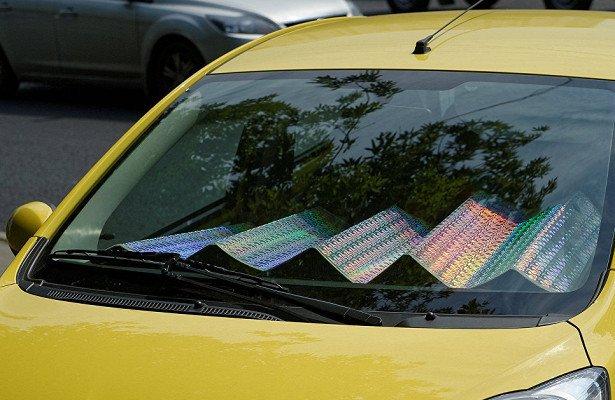Почему в жару солнцезащитный экран только навредит автомобилю