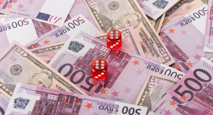 Украинцам сообщили курс валют после выходных: гривна и евро упадут в цене   - today.ua