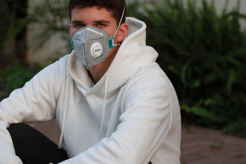 Чоловіки частіше за жінок відмовляються носити маски і захисний одяг: несподівані висновки вчених - today.ua