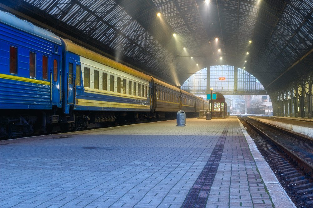 """""""Укрзализныця"""" обещает с августа восстановить все пассажирские маршруты, однако есть одно """"но"""""""
