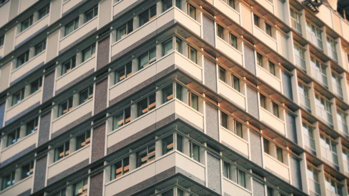 Украинцы заплатят огромные налоги на жилье: кому и на сколько придется раскошелиться
