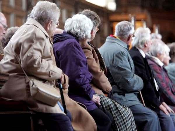 Пенсіонерам розповіли, як можна прожити на 2700 гривень: оплачувати комуналку і купувати продукти  - today.ua