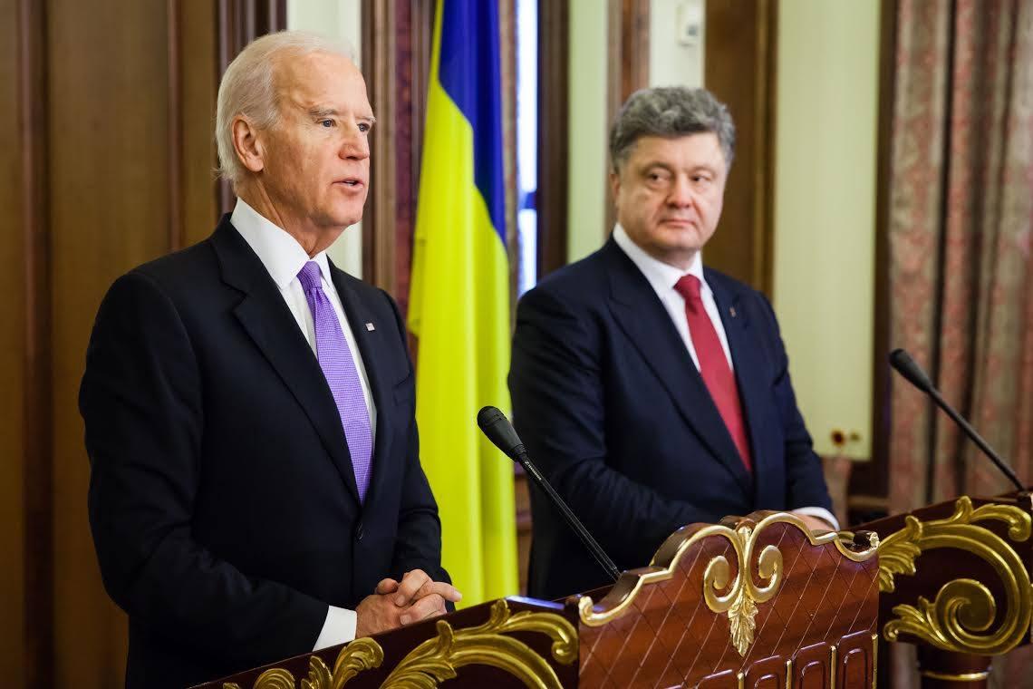 """Порошенко готов  купить """"пленки Деркача"""" за  бешеные деньги: вот сколько стоит власть в Украине - today.ua"""
