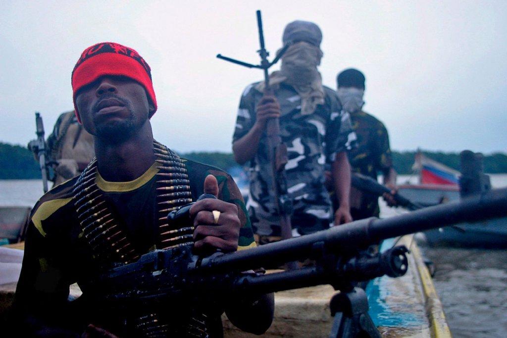 Напад на танкер в Гвінейській затоці: нігерійські пірати взяли в заручники шістьох українців  - today.ua