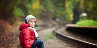Ходіння по коліях може стати дорогим задоволенням: Рада хоче збільшити деякі штрафи за порушення на залізниці - today.ua