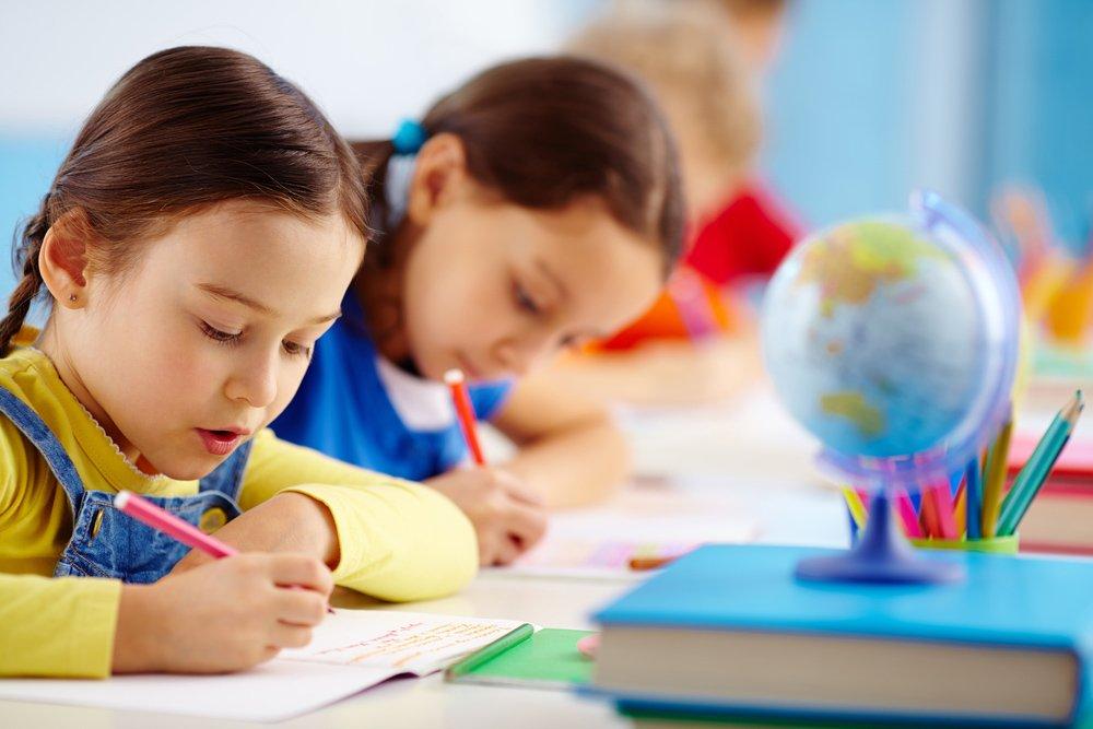 Сократить количество детей в классах и проводить уроки на улице: советы от доктора Комаровского на новый учебный год - today.ua