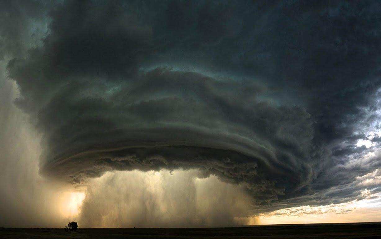 Смерч, град и светопреставление: в Карпатах происходит нечто неимоверное – жуткие кадры стихии - today.ua