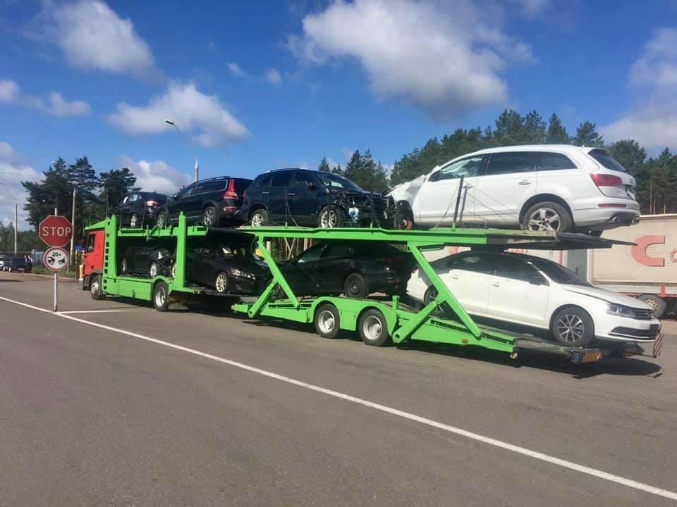 Украинские таможенники конфисковали 8 авто из США - today.ua