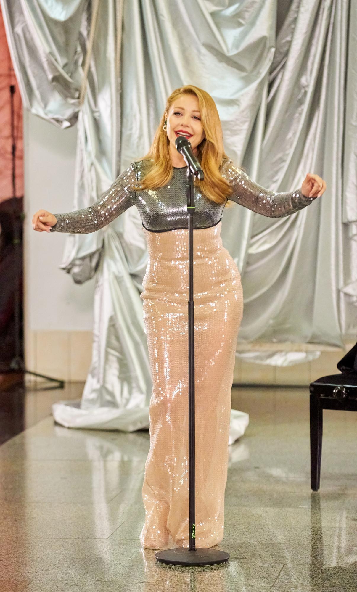 Тина Кароль стала петь в подземке - пассажиры не верят глазам: все так плохо после карантина