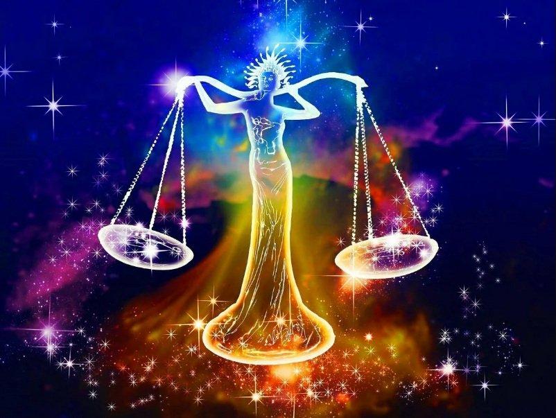 Гороскоп на 15 января для всех знаков Зодиака: Павел Глоба предвидит день, благоприятный для перемен и воплощения задуманного