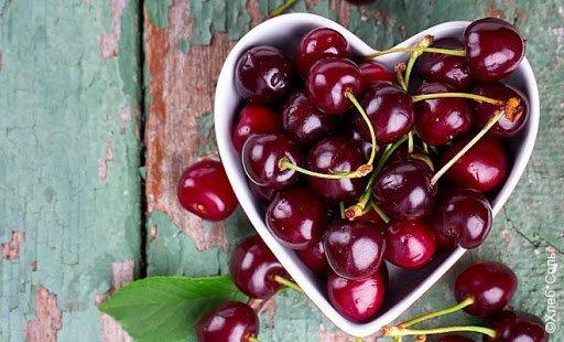 Вишня может быть полезной и одновременно опасной: что нужно знать о ягоде мужчинам и женщинам