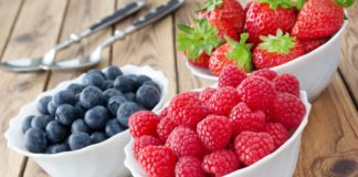 """Фрукты и ягоды нельзя есть после обеда: диетологи дали советы"""" - today.ua"""