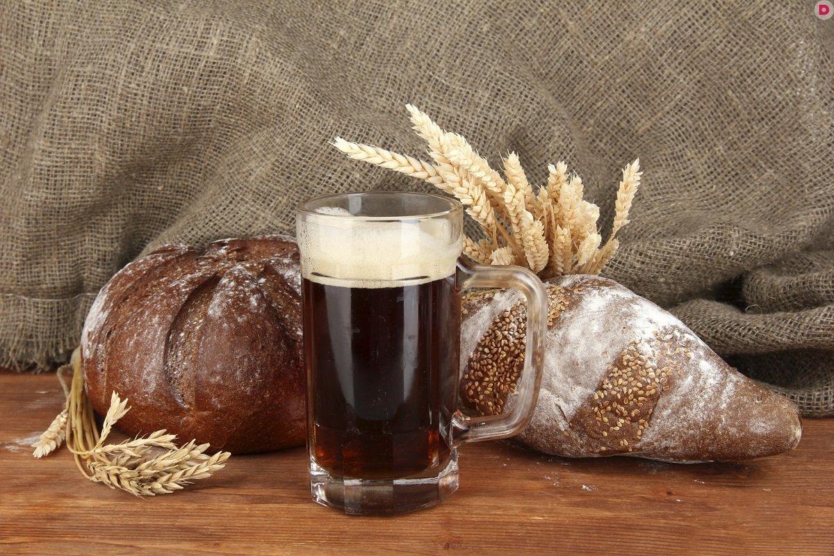 Хлебный квас – польза и вред: врачи рассказали, кому стоит отказаться от напитка