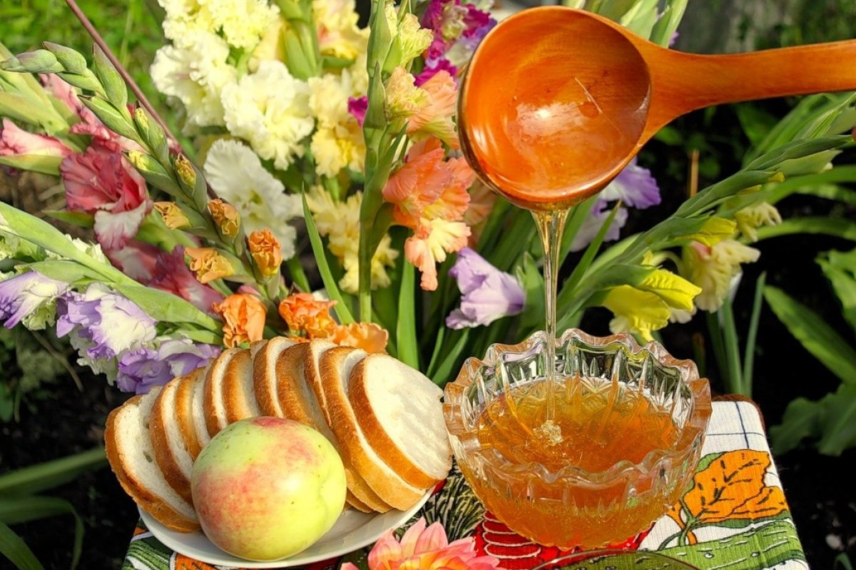 Свято 14 серпня: традиції та народні прикмети на Маковея
