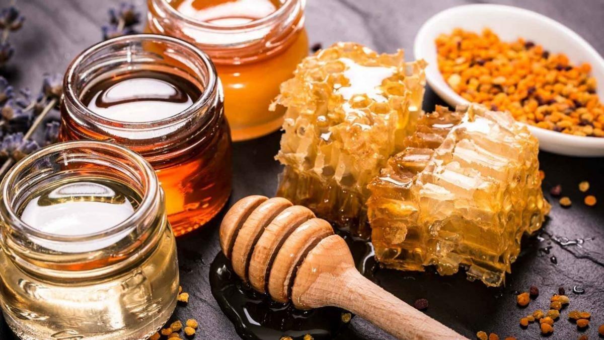 Как выбрать качественный мед на рынке: простой метод, который надо знать каждому