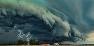 """Україну накриє потужна буря: які регіони опинилися в зоні найвищої небезпеки"""" - today.ua"""