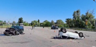 """Смертельна ДТП під Києвом: біля АЗС зіткнулися три авто, """"Таврію""""рознесло по всій дорозі"""" - today.ua"""