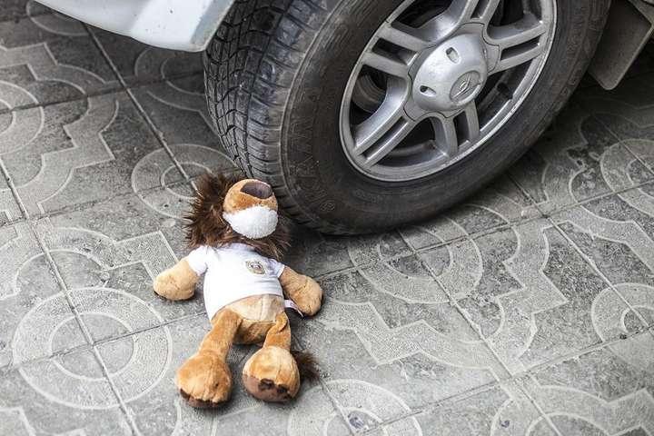 ДТП под Львовом: водитель трижды переехал 4-летнего ребенка на самокате    - today.ua