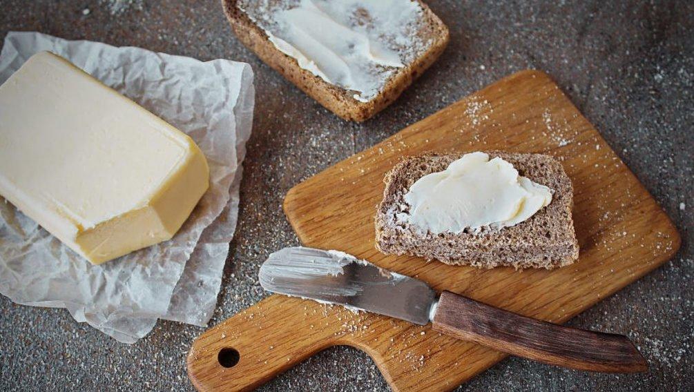 Скільки вершкового масла можна їсти без шкоди для здоров'я: порада чоловікам та жінкам