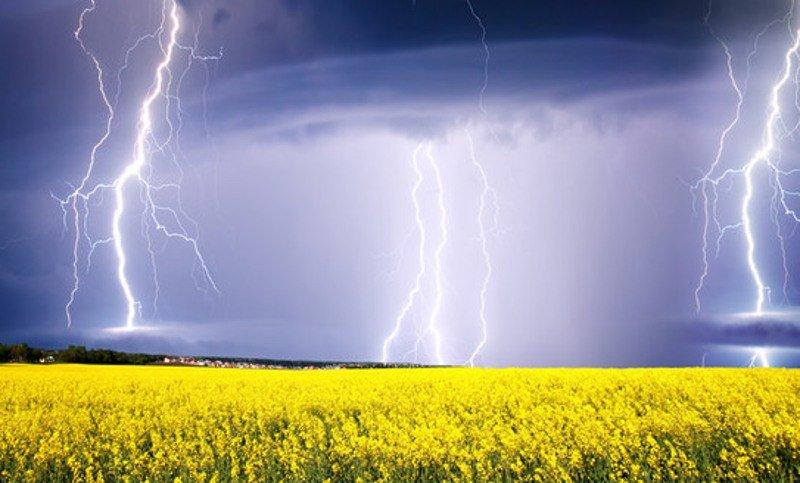 На Украину надвигается похолодание и дожди с грозами: синоптики обновили прогноз на ближайшие дни - today.ua