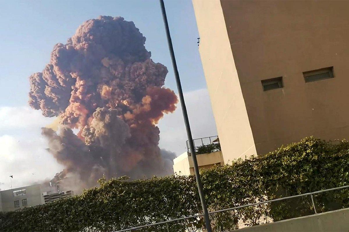 Взрыв в Бейруте – версии катастрофы: рванула селитра, подрыв порта спецами из Израиля или «Хезболлы» - today.ua