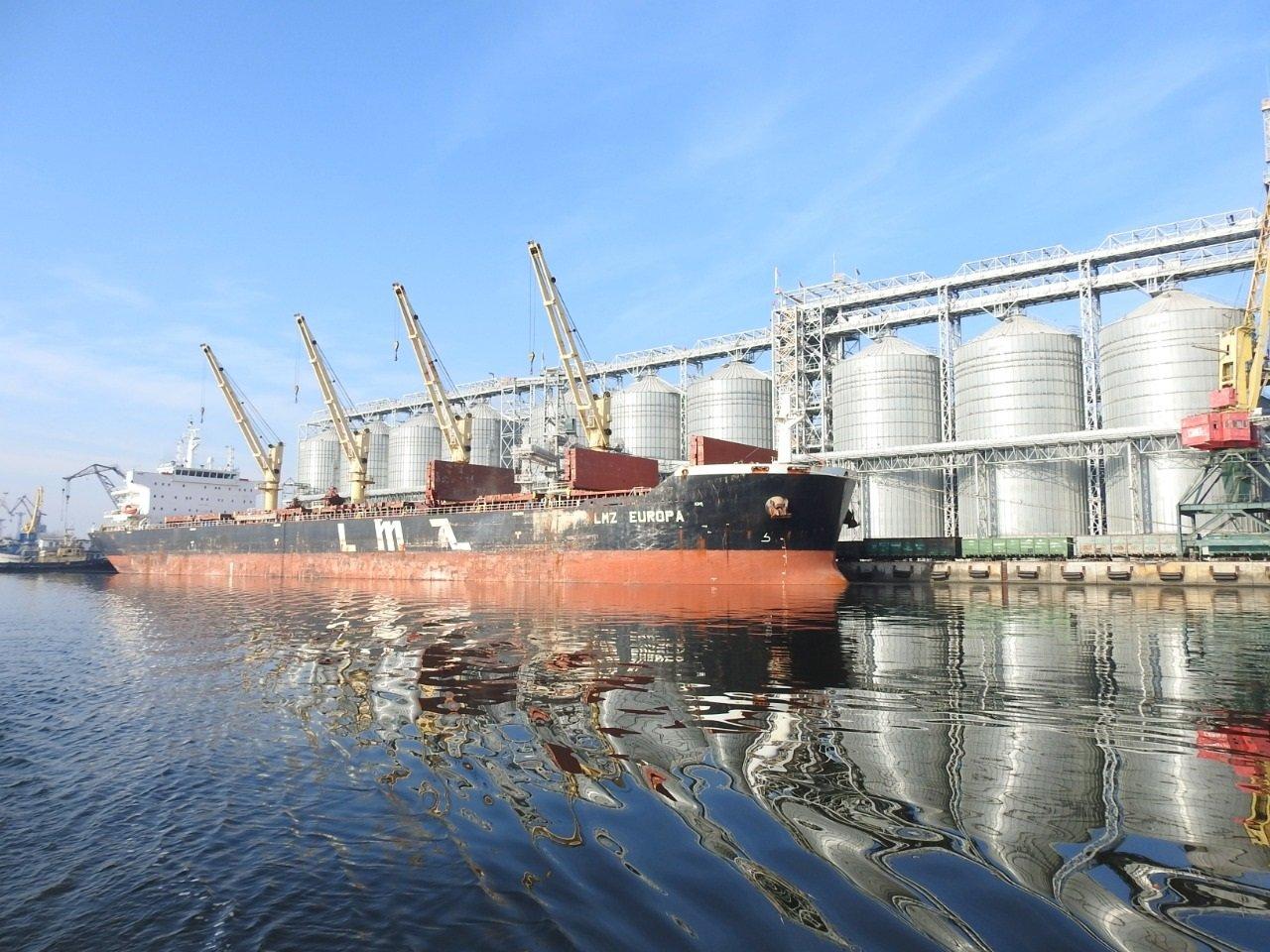 У порту Миколаєва розповіли про долю 4200 т селітри: повторення катастрофи Бейрута не буде - today.ua