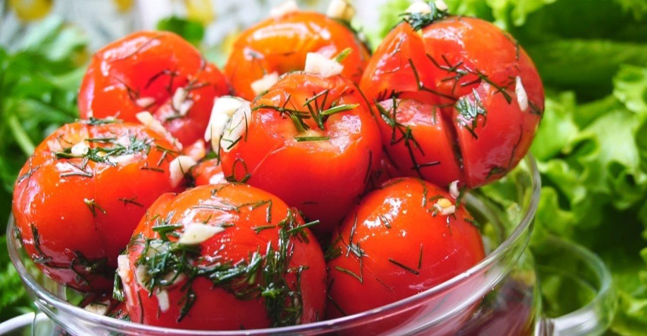 Помідори малосольні: простий рецепт запаморочливо смачної закуски - today.ua