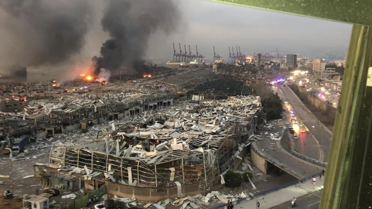 Взрыв в Бейруте – версии катастрофы: рванула селитра, подрыв порта спецами из Израиля или «Хезболлы»