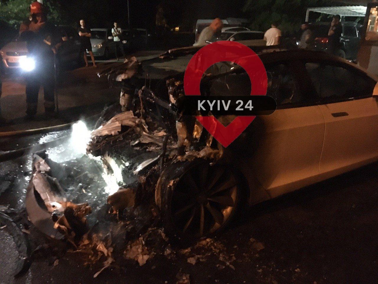 У Києві спалили Tesla екс-глави ОП Андрія Богдана - today.ua