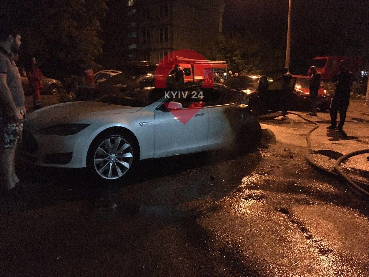 У Києві спалили Tesla екс-глави ОП Андрія Богдана