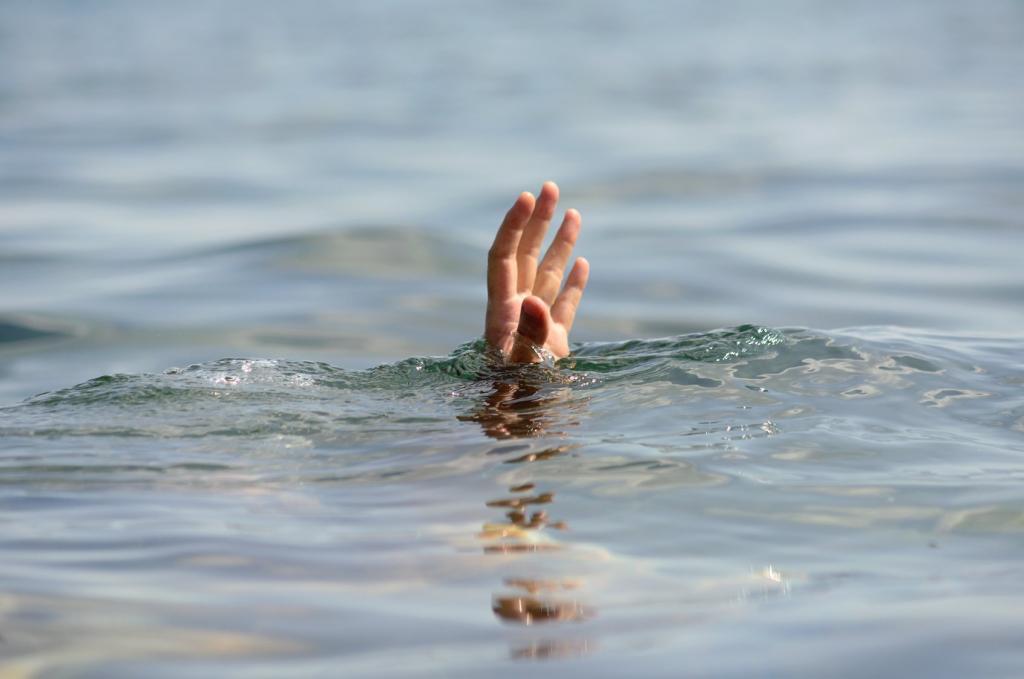 Под Одессой трагически утонула супружеская пара: спасателей на пляже не было, скорая ехала два часа    - today.ua