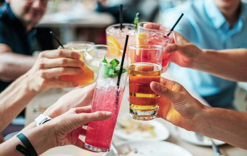 Фальсифікований алкоголь в Україні: половина всієї випивки - підроблена
