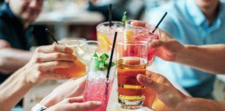 Рівносильний смерті: медики назвали алкогольний напій, який найбільш небезпечний у спеку - today.ua