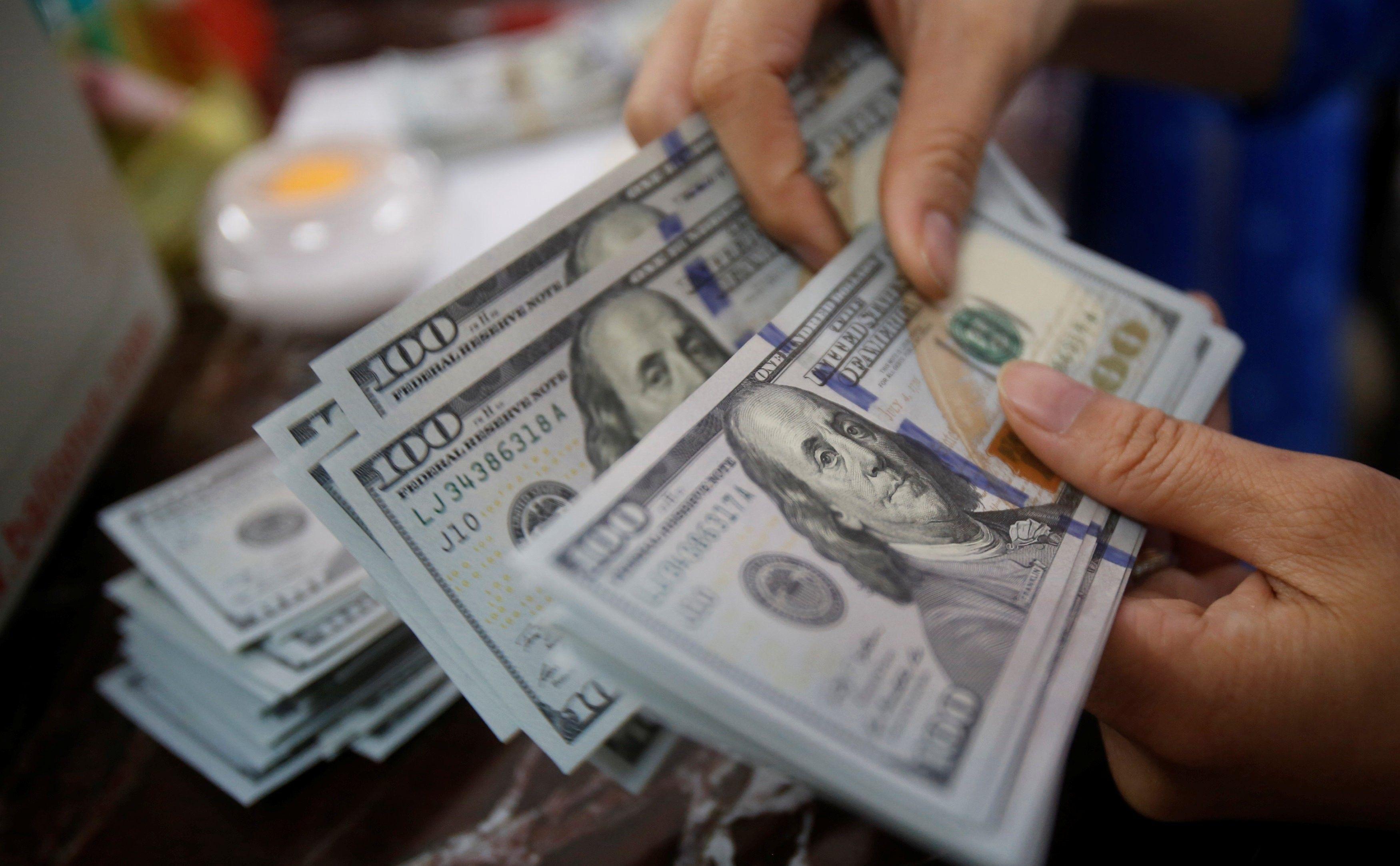 Как изменится курс доллара в Украине до конца недели: аналитик дал прогноз  - today.ua
