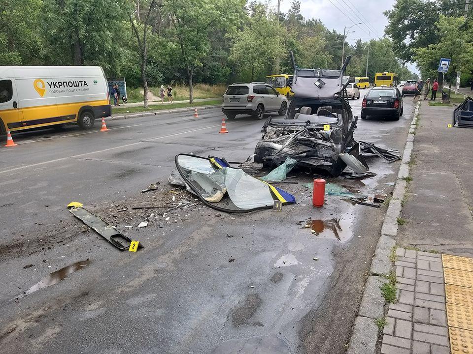 Страшное ДТП на Лесном массиве в Киеве: пострадавшие останутся с тяжелыми травмами