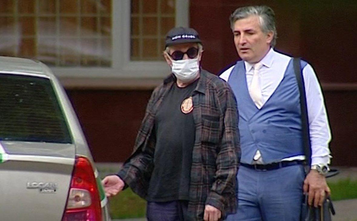 Ефремов опять заключил договор со своим адвокатом Эльманом Пашаевым: участь актера предрешена - today.ua