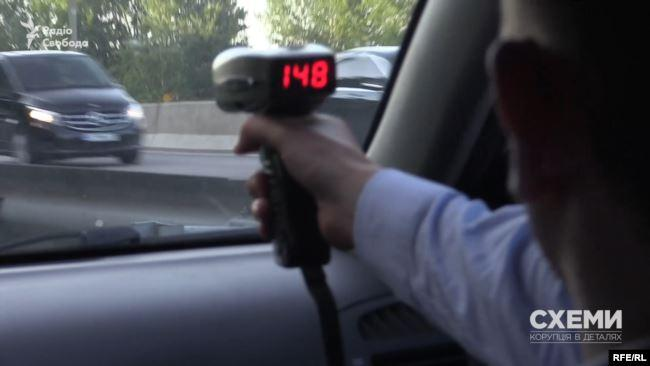 Кортеж Зеленского постоянно нарушает ПДД – видео