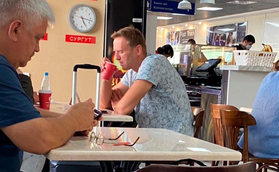 Російський опозиціонер Навальний - у комі: що сталося з політиком в небі над Сибіром