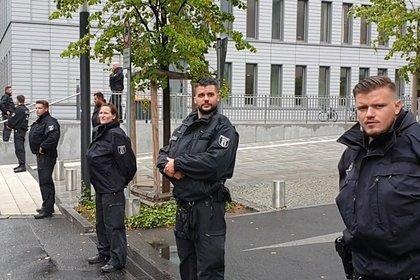 Клинику в Германии, где лечат Навального, поставили под круглосуточную охрану полиции