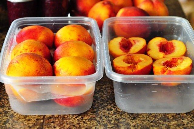 Як заморозити персики на зиму: три варіанти корисних і смачних заготовок