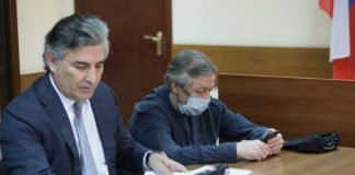 """Михайло Єфремов на суді відмовився від свого захисника: """"У мене буде інший адвокат, який добре вчився"""""""" - today.ua"""