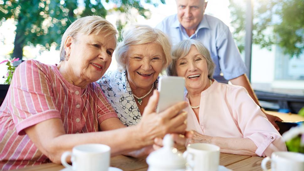 В Україні пенсіонери можуть отримати десять пенсій за один раз: дізнайтеся, чи не належите ви до числа щасливчиків - today.ua
