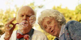 """Уряд обіцяє підтримати пенсіонерів старше 75: тепер для них головне - дожити"""" - today.ua"""