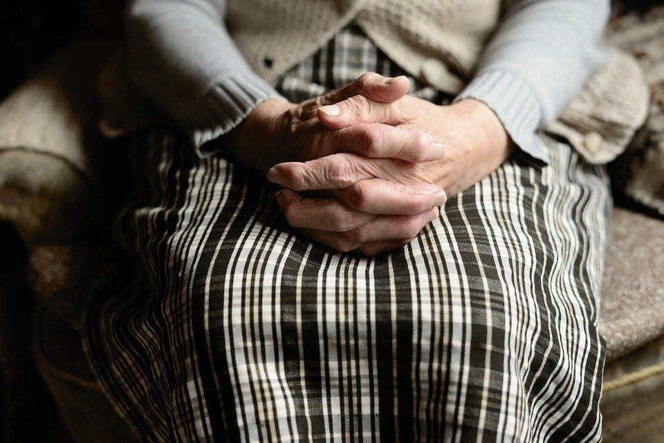 Правительство обещает поддержать пенсионеров старше 75: теперь для них главное - дожить