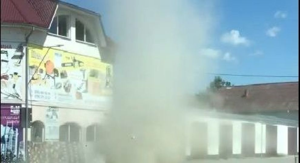 Западную Украину накрыла редкая песчаная буря: в Сети появилось видео стихии  - today.ua